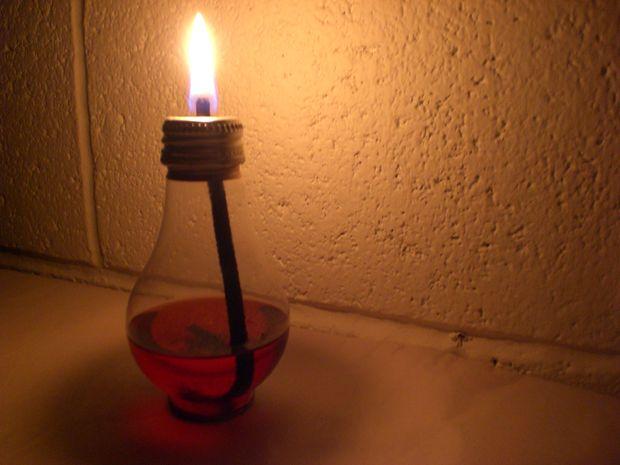"""chung minh cau gan muc thi den gan den thi sang - Chứng minh câu tục ngữ """"Gần mực thì đen, gần đèn thì sáng"""""""