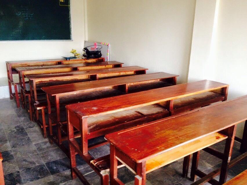 ta cai ban hoc o lop - Tả cái bàn học ở lớp
