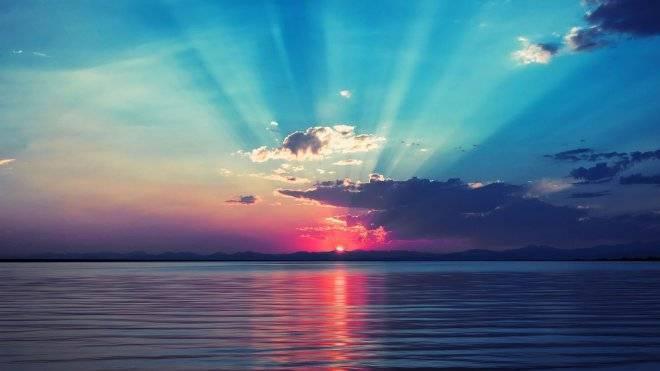 Tả cảnh bình minh ở biển