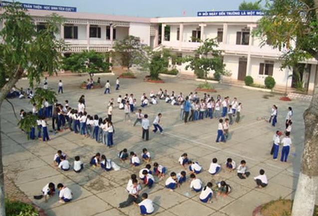 ta canh san truong em truoc buoi hoc - Tả cảnh sân trường em trước buổi học