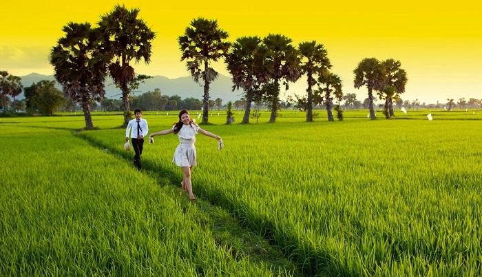 bai tho que huong - MS318 - Bài thơ Quê hương là một bức tranh mang vẻ đẹp tươi sáng, giàu sức sống của một làng quê