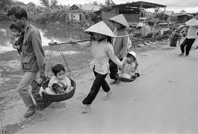 MS511 - Phân tích bài thơ Chạy giặc của Nguyễn Đình Chiểu