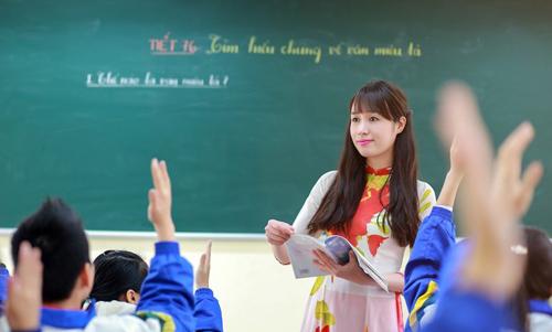 ms513 viet ve co giao day van - MS513 - Viết về cô giáo dạy Văn