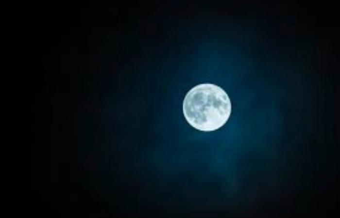 top 10 bai tho hay ve trang - Top 10 Bài thơ hay về trăng